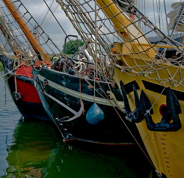 Colorful harbor in Stavoren on the IJsselmeer, the Netherlands. Photo via Flickr:Marja van Bochove