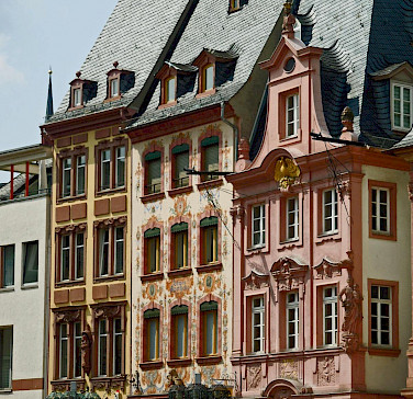 Gorgeous facades in Mainz, Germany. Photo via Flickr:Compte d'Artagnan