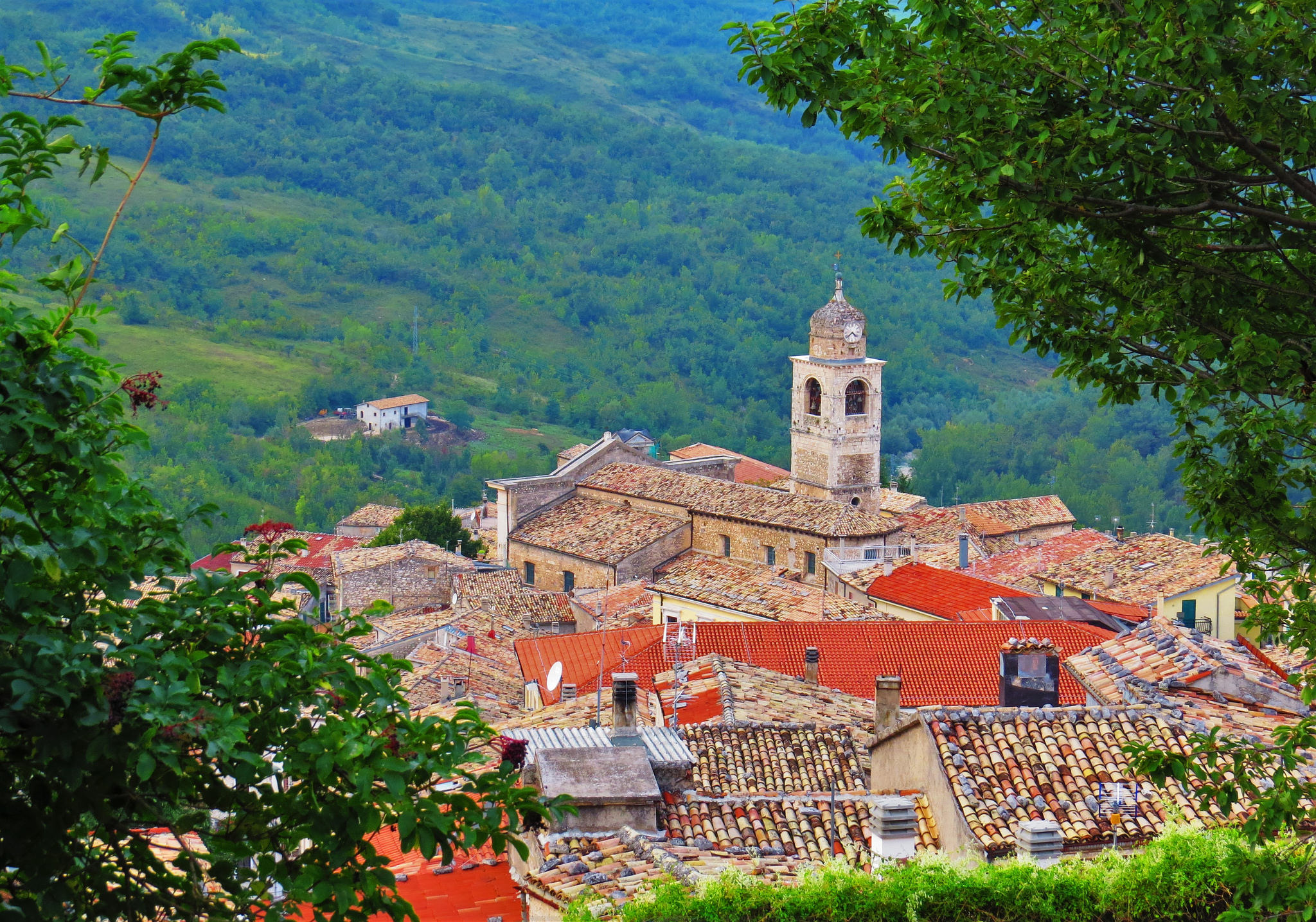 Green hills of abruzzo bike tour italy tripsite for Green italy