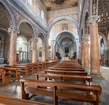 Inglesia in Ostuni, Puglia, Italy. Photo via Flickr:andresumida