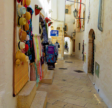 More shopping in Ostuni, Puglia, Italy. Photo via Flickr:Gianfranco Vitolo