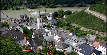View from chairlift in the Assmannshäuser red wine region of Assmannshausen, Germany. Photo via Flickr:Anissa Wood