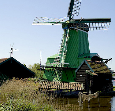 Windmills at the Zaanse Schans of course! Photo via Flickr:Alex Scarcella:httpwwwccworldit