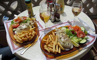 Lunch in Mallorca, Spain. Flickr:Pierre de Sable