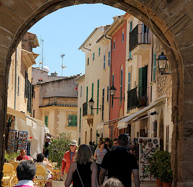 Shopping in Mallorca, Spain. Photo courtesy of Tour Operator.
