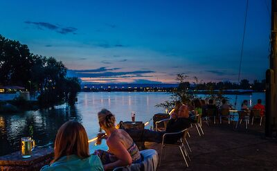 Dining along the Rhine River in Mainz, Germany. Flickr:Florian Christoph