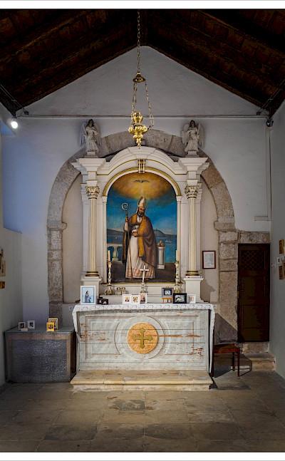 Small chapel on Rab Island in Kvarner Bay, Croatia. Flickr:Andreas Manessinger
