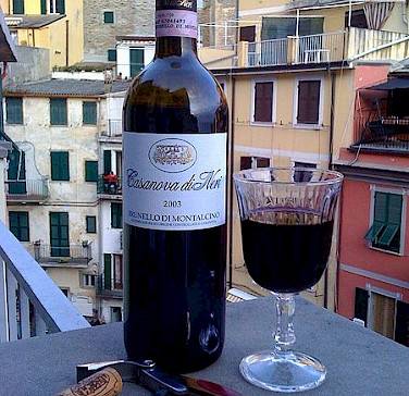 Sangiovese wine in Tuscany! Photo via Wikimedia Commons:Nicholas Solga
