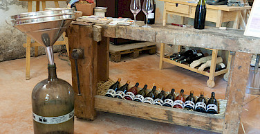 Wine tasting in Burgundy! Photo via Flickr:Michal Osmenda