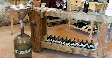Wine tasting in Burgundy! Photo via Flickr:Michal Osmenda