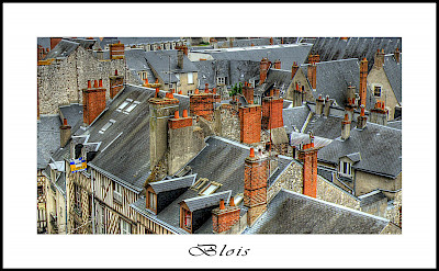 Gray roofs characterize Blois, France. Flickr:@lain G