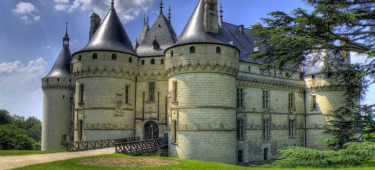Chateau de Chaumont, Loire Valley, France. Photo via Flickr:@lain G