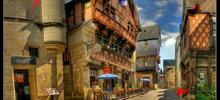 Loire Valley - Tours to Angers