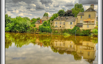 Along the Loire River in Chinon, France. Flickr:@lain G