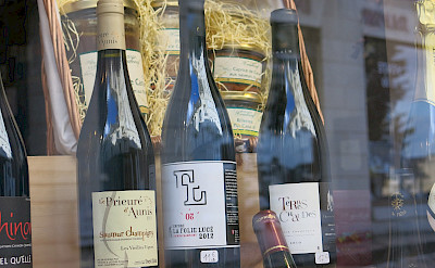 Wine for sale in Saumur, Maine-et-Loire, France. Flickr:ho visto nina volare