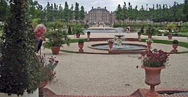 Paleis Het Loo in Apeldoorn, Gelderland, the Netherlands. Photo via Flickr:Charlie Dave