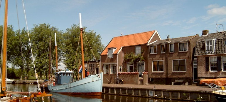 Spakenburg, Bunschoten, the Netherlands. Photo via Flickr:Michiel Verbeek
