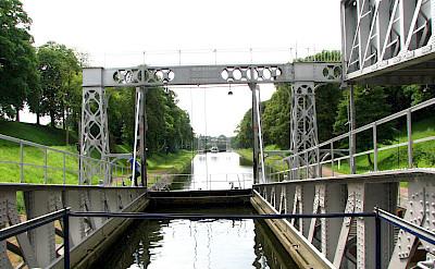 Strépy-Thieu boat lift in Belgium. Flickr:Decomite