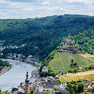 View of Reichsburg and vineyards along the Mosel in Cochem, Germany. Flickr:Frans Berkelaar