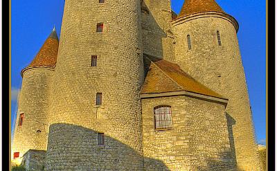 Le vieux château in Nemours, France. Flickr:@lain G