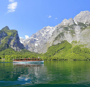 Electric passenger boat on Lake Königssee in Bavaria, Germany. Photo via Wikimedia Commons:Martin Falbisoner