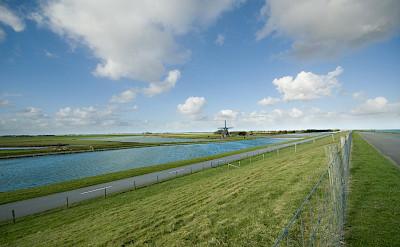 Biking on Texel - one of the Frisian Islands on the Wadden Sea. Flickr:Johan Wieland