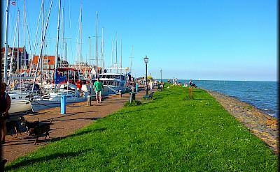 Walking along Marker Sea in Volendam, North Holland, the Netherlands. Flickr:Jose A.