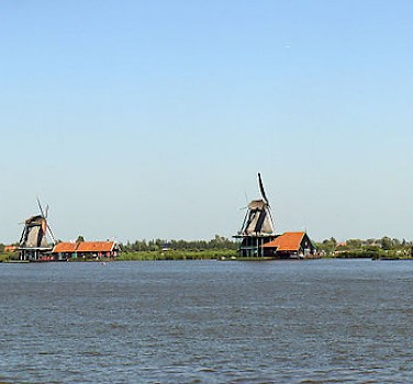 Open Air Museum in Zaanse Schans, Zaandam. Photo via Wikimedia Commons:Niels Kim
