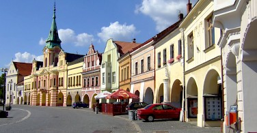 Peace Square in Melnik, Czech Republic. Photo via Wikimedia Commons:Miaow Miaow