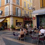 Cafe in Apt, Luberon, France. Flickr:Jean-Louis Zimmermann