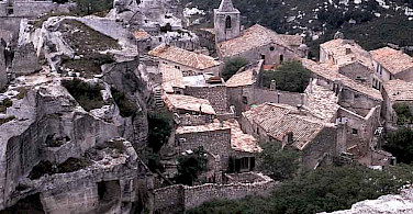 Les Baux de Provence. Photo via Wikimedia Commons.