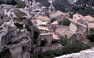 Les Baux de Provence. Photo via Wikimedia Commons.