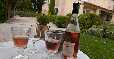Relax with some Provence wine! Photo via Flickr:mochalosmenda