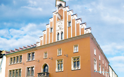 Rathaus in Straubing, Germany. Photo via Wikimedia Commons:JNM
