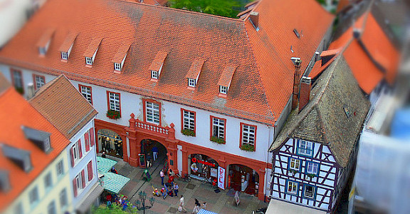 Neustadt an der Weinstrasse. Photo via Flickr:rolohauck