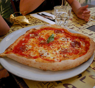 Pizza in Rimini. Photo via Flickr:siribl
