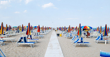 Rimini Beach. Photo via Flickr:siribl