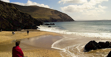 Beach on the Dingle Peninsula. Photo via Flickr:scarto.jpeg