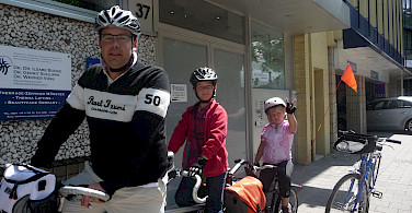 Don Shields with his kids enjoying the bike tour!