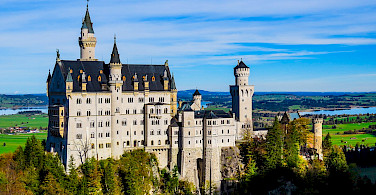 Close-up of Schloss Neuschwanstein Castle overlooking Hohenschwangau, Germany. Photo via Flickr:Kiefer