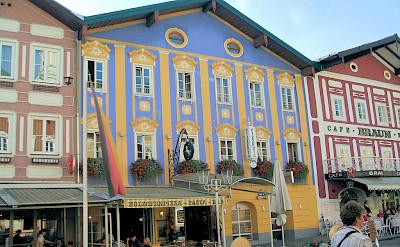 Shopping in Mondsee, Salzkammergut, Austria. Flickr:Lyn Gateley