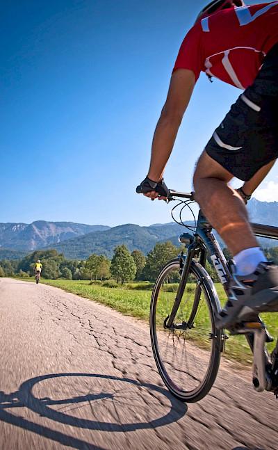 Cycling around Wolfgangsee, Austria. Photo via TO