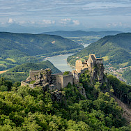Ruins of Aggstein in Wachau region of Austria. Photo via Wikimedia Commons:Uoaei1