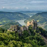 Ruins of Aggstein in Wachau region of Austria. Photo via Wikimedia Commons:Uoaei1