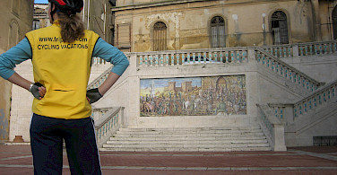 Gea at the top of the famous stairs in Caltagirone! Photo by Hennie