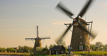 Windmills in Kinderdijk. Photo via Wikimedia Commons:ESOPhoto