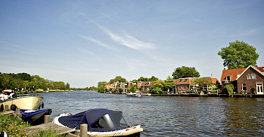Sailing through Ouderkerk, Holland. Photo via Flickr:Michell Zappa