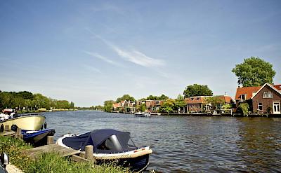 Sailing through Ouderkerk, Holland. Flickr:Michell Zappa