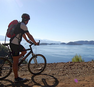 Cycling along Sarsala Bay, Turkey. Photo by Tobias Lohmann
