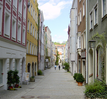 Burghausen, Altötting, along the Salzach River in Bavaria, Germany. Photo via Flickr:Allie_Caulfield